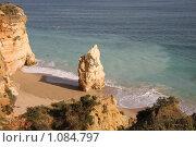 Португалия, г.Портиман. Пляж Прая-да-Роша. Причудливые скалы на побережье Атлантического океана. (2008 год). Стоковое фото, фотограф Елена Минакова / Фотобанк Лори