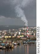 Купить «Вид на Мурманский порт и предприятие тепловых сетей», фото № 1089653, снято 12 сентября 2009 г. (c) Ямаш Андрей / Фотобанк Лори