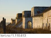 Купить «Первый Северный форт рядом с Кронштадтом и дамбой. Санкт-Петербург», фото № 1110613, снято 4 января 2008 г. (c) Пётр Соболев / Фотобанк Лори