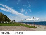 Купить «Петрозаводск: набережная у Онежского озера», фото № 1119841, снято 29 августа 2009 г. (c) Кекяляйнен Андрей / Фотобанк Лори