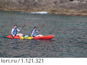 Купить «Байдарочники. Адриатическое море, Хорватия», фото № 1121321, снято 9 сентября 2009 г. (c) Сергей Бесчастный / Фотобанк Лори