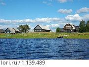 Северное русское село Нокола, вид со стороны озера Лаче. Стоковое фото, фотограф Виктор Сагайдашин / Фотобанк Лори