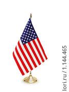 Настольный флажок США на белом фоне. Стоковое фото, фотограф Elnur / Фотобанк Лори