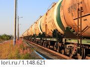 Купить «Железнодорожные цистерны с нефтепродуктами», эксклюзивное фото № 1148621, снято 26 августа 2009 г. (c) Григорий Писоцкий / Фотобанк Лори