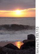 Купить «Камни на берегу моря», фото № 1155113, снято 19 сентября 2008 г. (c) Георгий Солодко / Фотобанк Лори