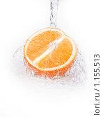 Очень сочный апельсин. Стоковое фото, фотограф Суров Антон / Фотобанк Лори