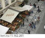 Уличное кафе (2008 год). Редакционное фото, фотограф Марина Животягина / Фотобанк Лори