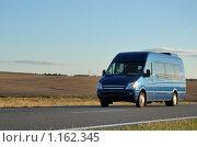 Купить «Микроавтобус», фото № 1162345, снято 21 августа 2009 г. (c) Дмитрий Калиновский / Фотобанк Лори