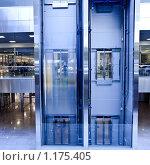 Купить «Лифты в деловом центре», фото № 1175405, снято 8 апреля 2009 г. (c) Бабенко Денис Юрьевич / Фотобанк Лори