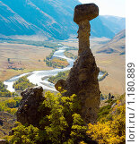 Купить «Большой каменный гриб и долина Чулышмана», фото № 1180889, снято 20 сентября 2009 г. (c) Николай Михальченко / Фотобанк Лори