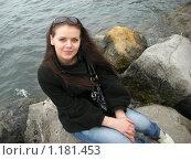 Красивая девушка на берегу моря. Стоковое фото, фотограф Анатолий Вороничев / Фотобанк Лори