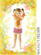 Купить «Девочка в краске», фото № 1182609, снято 2 апреля 2020 г. (c) Типляшина Евгения / Фотобанк Лори