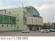 Купить «Торговый комплекс», фото № 1188089, снято 12 июня 2006 г. (c) Павел Подолянко / Фотобанк Лори