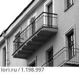 Купить «Московские балконы. Переулок у Тверской», фото № 1198997, снято 7 ноября 2009 г. (c) Ярослав Каминский / Фотобанк Лори