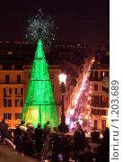 Купить «Новогодняя елка в Риме на Испанской лестнице», фото № 1203689, снято 1 января 2009 г. (c) Demyanyuk Kateryna / Фотобанк Лори