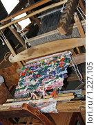 Купить «Ручной ткацкий станок», фото № 1227105, снято 7 сентября 2009 г. (c) Ротманова Ирина / Фотобанк Лори
