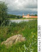 Вид на стены Новгородского кремля (2009 год). Стоковое фото, фотограф Олег Абрамов / Фотобанк Лори