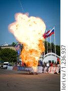 Купить «Взрыв на Шоу каскадеров», фото № 1236937, снято 8 июня 2008 г. (c) Александр Косарев / Фотобанк Лори