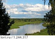 Купить «Разлив на реке», фото № 1244317, снято 4 июня 2009 г. (c) Елена Ильина / Фотобанк Лори