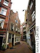 Купить «Голландский дворик», фото № 1247961, снято 9 августа 2009 г. (c) Филонова Ольга / Фотобанк Лори