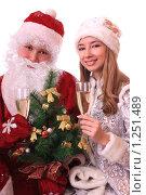 Купить «Дед Мороз и Снегурочка», фото № 1251489, снято 28 ноября 2009 г. (c) Юлия Машкова / Фотобанк Лори