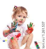 Купить «Девочка в краске», фото № 1261537, снято 3 декабря 2009 г. (c) Майя Крученкова / Фотобанк Лори
