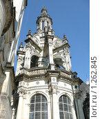 Купить «Одна из башенок замка Шамбор. Долина реки Луара. Франция.», фото № 1262845, снято 6 сентября 2009 г. (c) Дживита / Фотобанк Лори