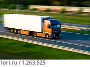 Купить «Грузовик на автостраде», фото № 1263525, снято 9 мая 2008 г. (c) Петр Кириллов / Фотобанк Лори