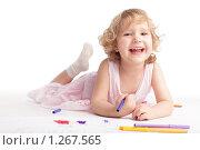 Купить «Рисующая девочка», фото № 1267565, снято 18 ноября 2009 г. (c) Гладских Татьяна / Фотобанк Лори