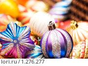 Купить «Елочные игрушки», фото № 1276277, снято 3 ноября 2007 г. (c) Elnur / Фотобанк Лори
