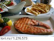 Рыбный стейк. Стейк из семги. Стоковое фото, фотограф Марина Рябущиц / Фотобанк Лори