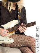 Купить «Девушка с гитарой», фото № 1291701, снято 13 декабря 2009 г. (c) Влад Нордвинг / Фотобанк Лори