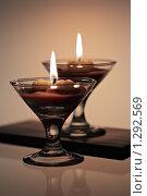 Купить «Свечи в стеклянных подсвечниках», фото № 1292569, снято 12 декабря 2008 г. (c) Леонид Якутин / Фотобанк Лори