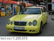 Купить «Болгария. Золотые пески. Такси. Автомобиль.», фото № 1295573, снято 26 июля 2009 г. (c) Елена Соломонова / Фотобанк Лори