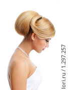 Купить «Портрет девушки с ярким макияжем», фото № 1297257, снято 12 февраля 2009 г. (c) Валуа Виталий / Фотобанк Лори