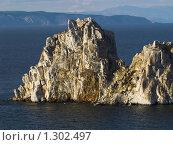 """Купить «Байкал. Скала """"Шаманка""""», фото № 1302497, снято 11 сентября 2008 г. (c) Andrey M / Фотобанк Лори"""