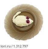 Манная каша с вишней в форме мышки 5. Стоковое фото, фотограф Дамир Фахретдинов / Фотобанк Лори
