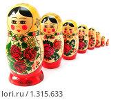 Купить «Матрёшки», фото № 1315633, снято 31 октября 2009 г. (c) Сергей Плахотин / Фотобанк Лори