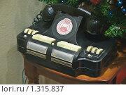 Купить «Старый чёрный селекторный телефон в музее ГУМа», эксклюзивное фото № 1315837, снято 20 декабря 2009 г. (c) Алёшина Оксана / Фотобанк Лори