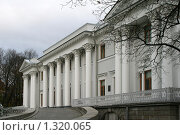 Купить «Елагин дворец», фото № 1320065, снято 29 октября 2009 г. (c) Александр Секретарев / Фотобанк Лори