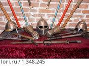 Купить «Воинские доспехи в музее», эксклюзивное фото № 1348245, снято 4 января 2010 г. (c) ФЕДЛОГ / Фотобанк Лори