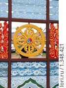 Купить «Резные деревянные ворота. Фрагмент. Этнографический музей под открытым небом. Улан-Удэ», фото № 1348421, снято 11 июня 2006 г. (c) Анна Зеленская / Фотобанк Лори
