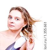 Девушка сушит волосы феном. Стоковое фото, фотограф Анфимов Леонид / Фотобанк Лори