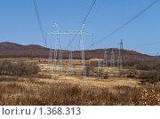Опоры высоковольтной линии электропередач. Стоковое фото, фотограф Владимир Шеховцев / Фотобанк Лори