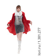 Женщина в красном плаще. Стоковое фото, фотограф Евгений Гультяев / Фотобанк Лори