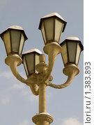Купить «Уличный фонарь», фото № 1383893, снято 16 января 2010 г. (c) Иван Веселов / Фотобанк Лори