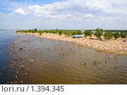 Купить «Городской пляж в Саратове», фото № 1394345, снято 15 июля 2009 г. (c) Anna Kavchik / Фотобанк Лори
