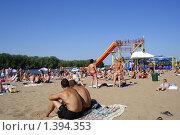 Купить «Городской пляж в Энгельсе», фото № 1394353, снято 15 июля 2009 г. (c) Anna Kavchik / Фотобанк Лори