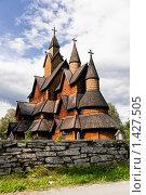 Купить «Деревянная церковь в Норвегии», фото № 1427505, снято 11 августа 2009 г. (c) Виталий Романович / Фотобанк Лори
