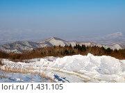 Вид с горы Чёрный Куст на долину реки Партизанка и прилегающие хребты. Стоковое фото, фотограф Сергеев Игорь / Фотобанк Лори
